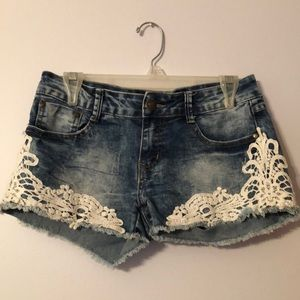 Jean shorts work 2x with lace detail